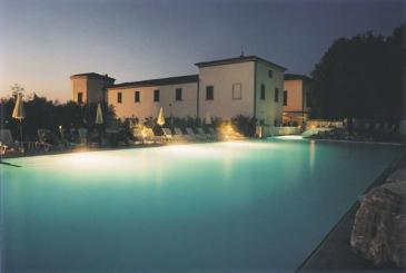 2873_(9) piscina notte